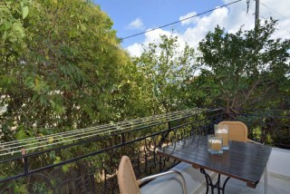 accommodation bella vista studios big garden view